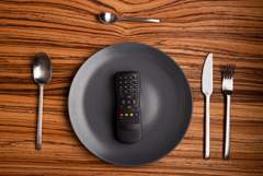 Dinner-setting-with-remote-control