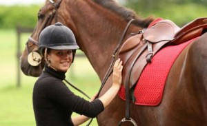 woman-and-red-saddle-pad
